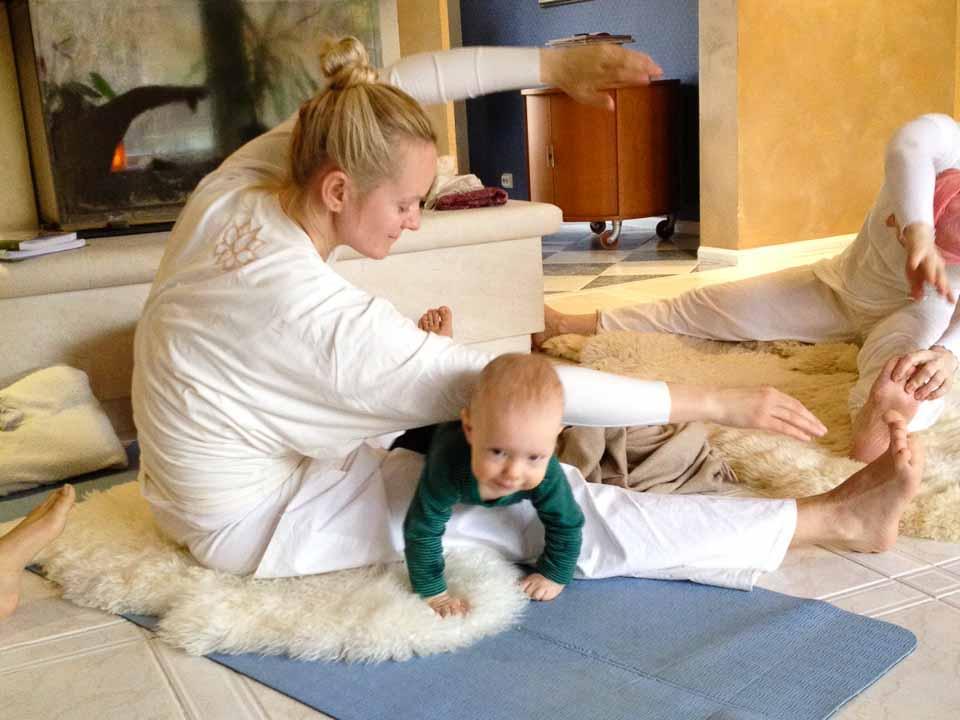 pratique du yoga postnatal